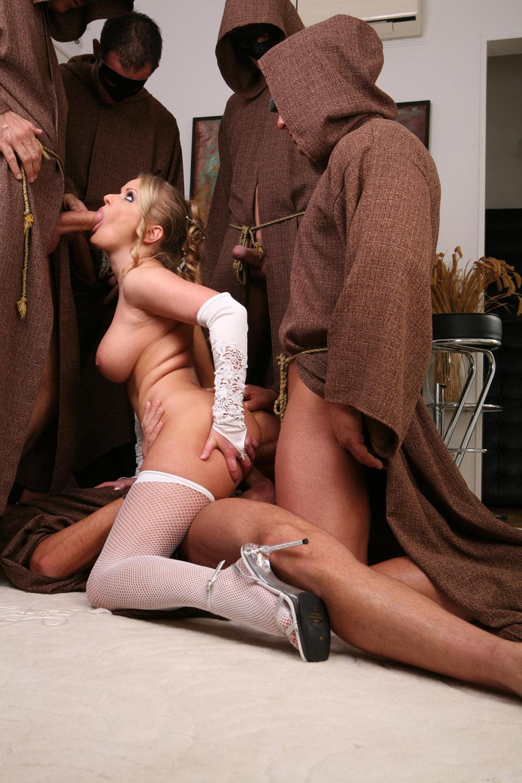 Фото секса с монашками 1 фотография